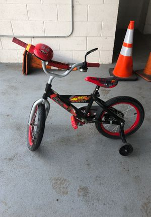 Huffy Pixar's cars young kids bike bicycle training wheels for Sale in Queens, NY