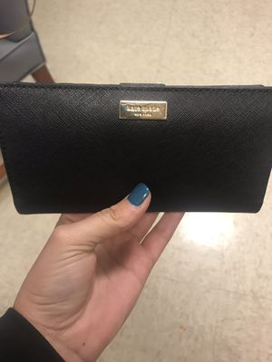 Kate spade wallet for Sale in Pittsburgh, PA