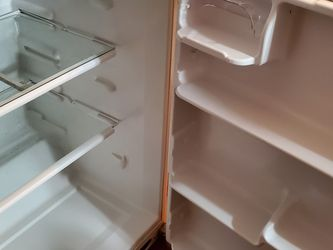 Frigidaire Refrigerator With Freezer for Sale in Yorktown,  VA
