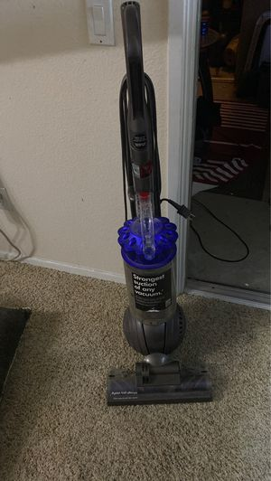 Dyson Ball Allergy vacuum Upright for Sale in San Diego, CA