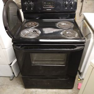 Nice A Black Electric Stove for Sale in Indianapolis, IN