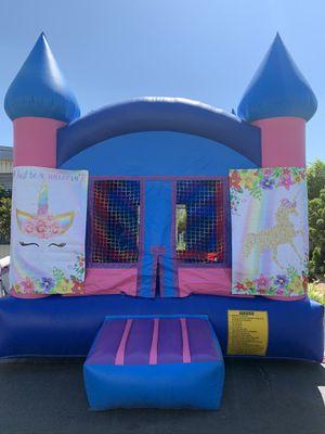 🎀 Pink girl castle jumper 🎀 for Sale in Highland, CA