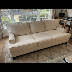 Stylish Cream Couch for Sale in Issaquah, WA