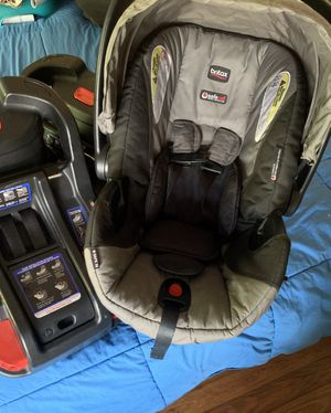 Britax Infant car seat w/2 bases for Sale in Winchester, VA