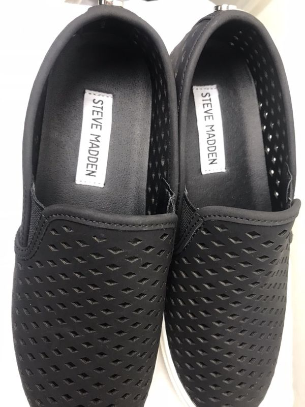 ef5dffb2b8e Steve Madden Zeena Slip-On Sneaker Women s Size 6 for Sale in ...