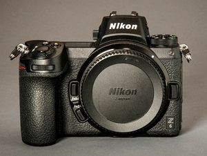 Nikon Z6 Excellent Condition! Body only! With Warranty for Sale in Queens, NY