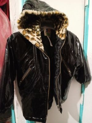 Free Girls Black Coat Size 5T for Sale in Dallas, TX