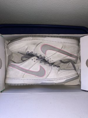 dunk lows nike shoes for Sale in Rialto, CA