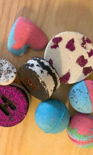 Coconut and Lavender bath bombs for Sale in Newport Beach, CA