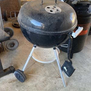 Weber Charcoal Grill for Sale in Upland, CA
