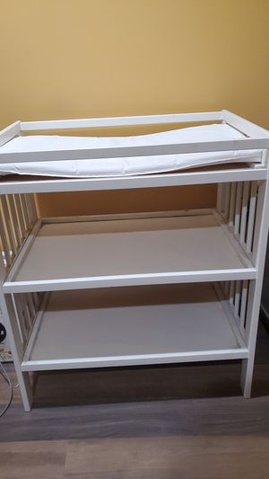 Changing table for Sale in Lynwood, CA