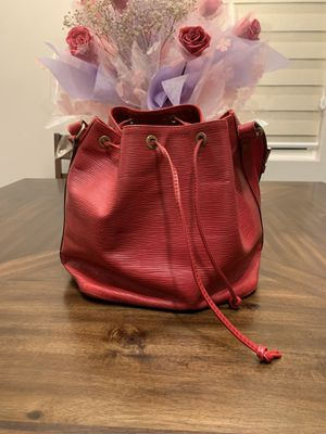 Louis Vuitton Neonoe Shoulder Bag red leather for Sale in Rosemead, CA