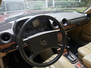 84 Benz 300TD for Sale in Lawrenceville, GA