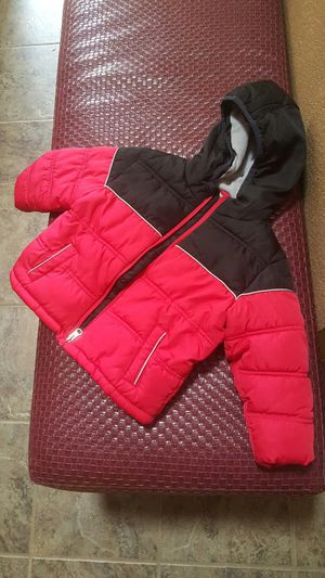 2T red and black jacket for Sale in OR, US