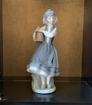 Lladro Budding Blossoms #1416 Girl w/Bucket of Flowers Figurine for Sale in Lake Worth, FL