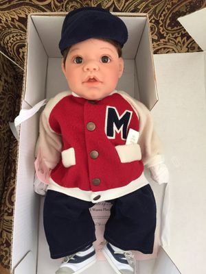 """Lee Middleton Collectible Doll """"I Wanna Play Football"""" for Sale in Tucker, GA"""