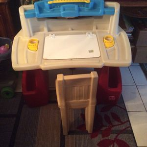 Kids Desk W/ Chair Price 40$ Pick Up E 72nd Tacoma for Sale in Tacoma, WA