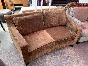 Brown curved loveseat for Sale in Ashland, OR