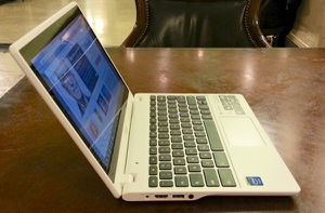 Acer Chromebook MINT CONDITION for Sale in Harrisburg, PA