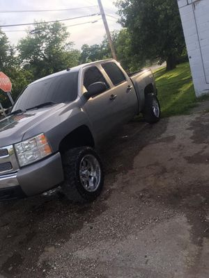 Chevy Silverado for Sale in Saint Charles, MO