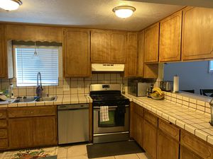 Kitchen cabinets! best offer for all cabinets, doors and plus hinges for Sale in Hayward, CA