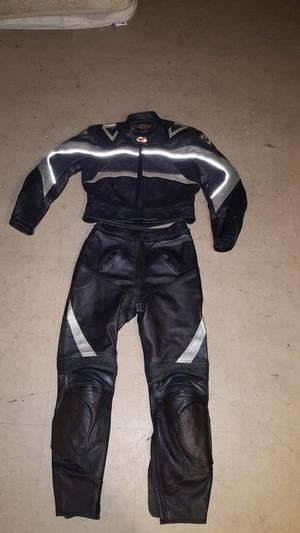Black and gray motorcycle suit for Sale in Bronx, NY