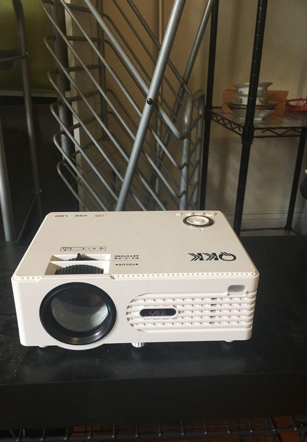QKK Home Theatre Mini Projector - Full HD LED