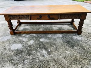 Amazing wood coffee cocktail table for Sale in Davie, FL