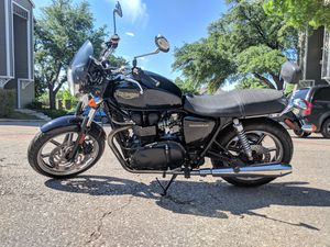 Triumph Bonneville classic styling motorcycle for Sale in Irving, TX