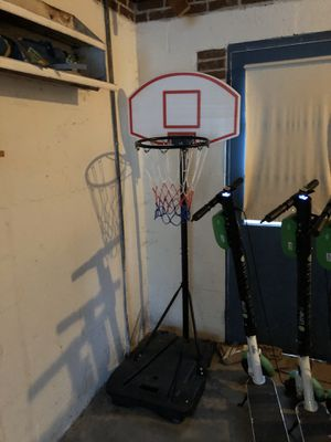 Light weight mobile basketball court for Sale in Aspen Hill, MD