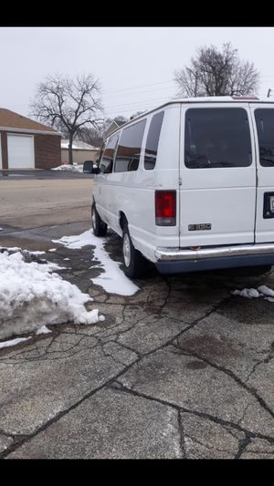 Ford E 350 Van ,Gasoline for Sale in Kankakee, IL