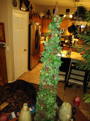 3 foot tall ivy silk topiary for Sale in Mesa, AZ