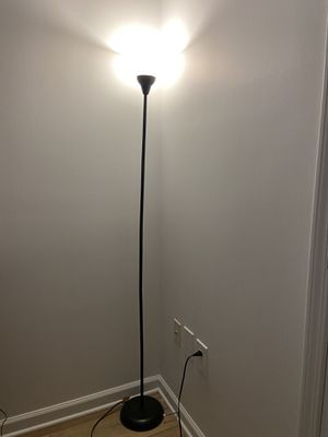 Room Essentials floor lamp (with 2 lightbulbs) for Sale in Washington, DC