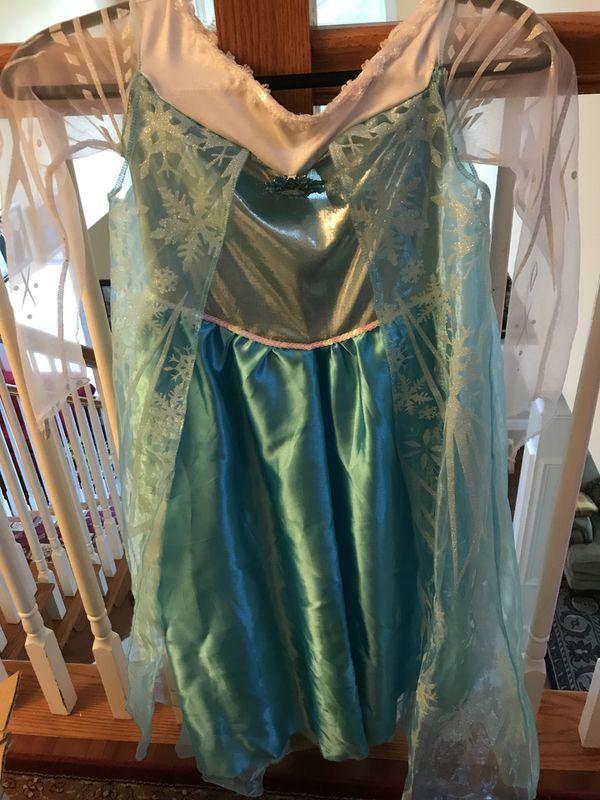 Elsa costume (size large 14–16)