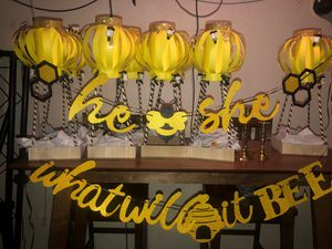 Bee themed gender reveal for Sale in West Linn, OR