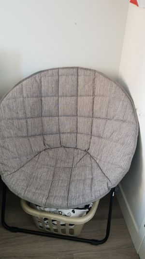 Comfy lounge chair perfect for bedrooms for Sale in New York, NY