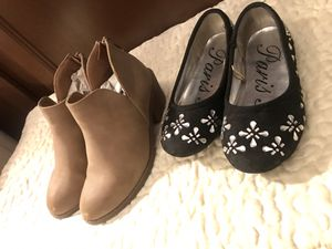 2 PAIRS OF LITTLE GIRLS SIZE 12C SHOES - TAN HEEL ANKLE BOOTS & BLACK FLATS WITH RHINESTONES for Sale in Colorado Springs, CO