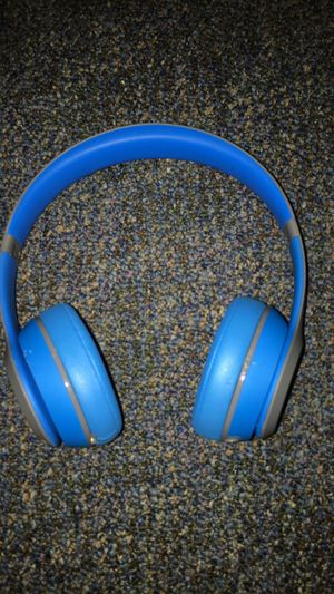 Beats Solo wireless for Sale in Middleborough, MA