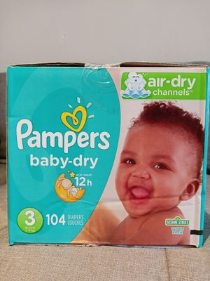 Pamper baby dry size 3/104 diapers for Sale in Gardena, CA