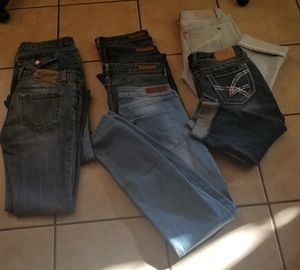 8 PAIRS Skinny JEANS + Capris, H& M, Amethyst, Almost Famous, Vigoss, Aeropostle sz 7/8, 30/31 for Sale in Arvada, CO