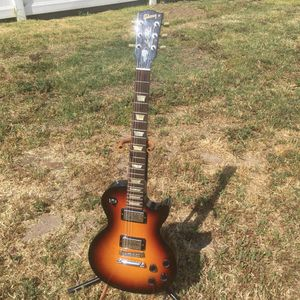 2007 Gibson Les Paul Studio-Gloss Sunburst+Case for Sale in Anchorage, AK