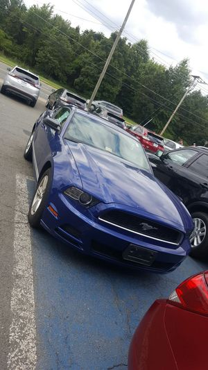 2013 Mustang V6 automatic VERY NICE!!!! for Sale in Manassas, VA