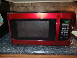 Rad red microwave oven for Sale in Puyallup, WA