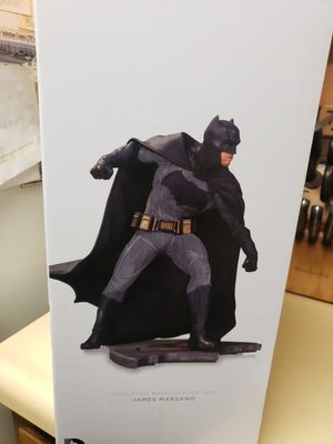 DC Comics Collectible Batman Sfatue for Sale in Vacaville, CA