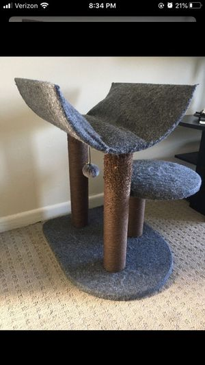 Cat scratcher tree post for Sale in San Mateo, CA