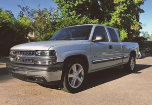 2001 Chevy Silverado low miles for Sale in Yonkers, NY