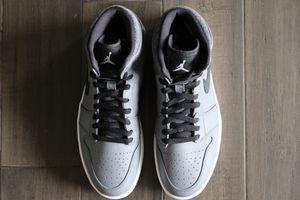 Brand New Jordan 1 Retro Rare Air Patch Men's Size 9 for Sale in Bellevue, WA
