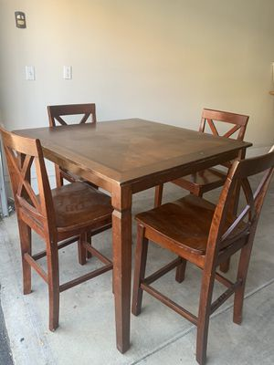 Tall Dinning Table & Chairs for Sale in Fresno, CA