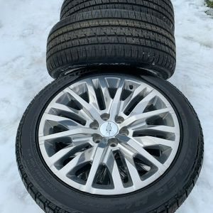 New 22 Inch Oem Gm Wheels With Tires for Sale in Elgin, IL