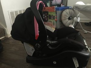 Brand new baby trend car set for Sale in Austell, GA